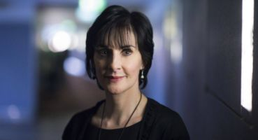 Enya poses in a hotel in Berlin, Germany, 29 October 2015. © Bernd von Jutrczenka