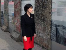 Enya visiting Berlin, 6 April 2016, photo by Warner Music Germany
